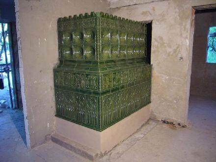 Gotická kachlová kamna: 215 000 Kč – 265 000 Kč