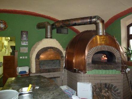Pec na pizzu 15 kusů: 175 000 Kč – 210 000 Kč